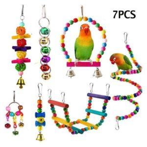 Buntes Spielzeug Set für Vögel